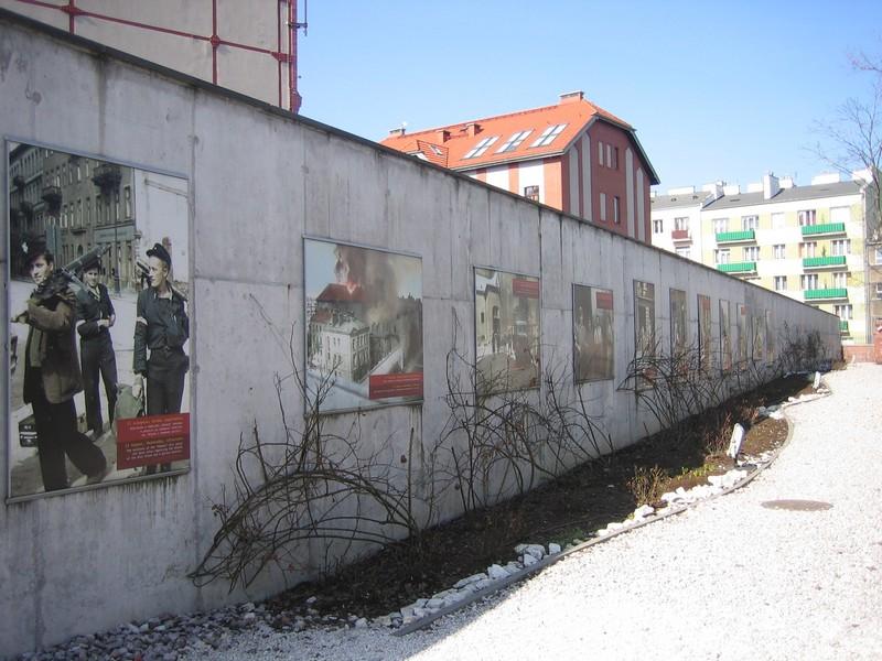 10muzeum-powstania-warszawskiego